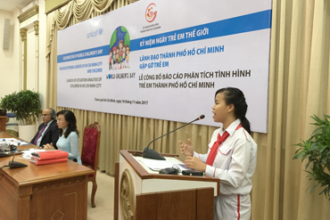 Children from Ho Chi Minh City had a dialogue with UNICEF and HCM City leaders during the launch of SitAn and World Children's Day celebration event in Nov, 2017.