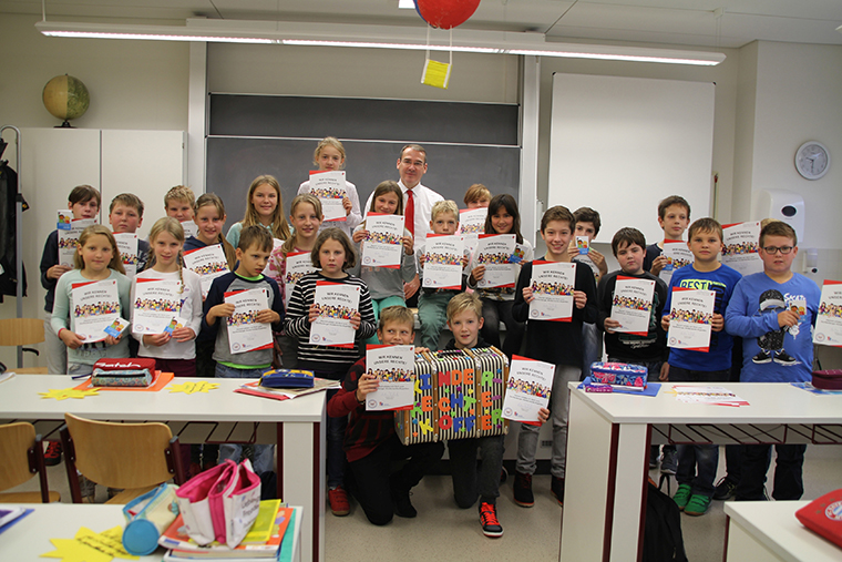 Handover of the Agenda-Diplom in a school in Senftenberg