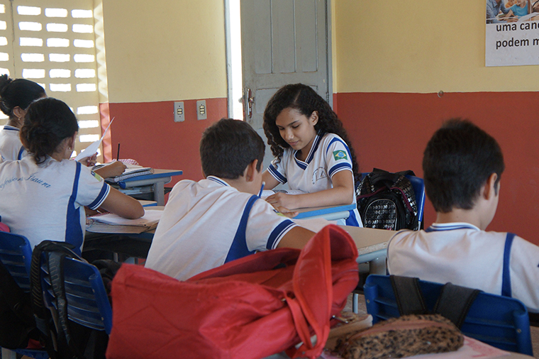 Ingrid Lorane during class in Buriti dos Montes, state of Piauí, in 2016. She learned to read and write through a UNICEF literacy programme related to her muncipality's participation in the UNICEF Seal of Approval.
