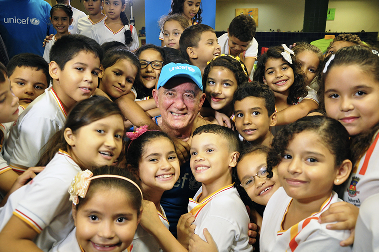 Goodwill Ambassador in Brazil Renato Aragão during his visit to his hometown, Sobral, in state of Ceará in 2015. The town has received the UNICEF Municipal Seal of Approval seven times.