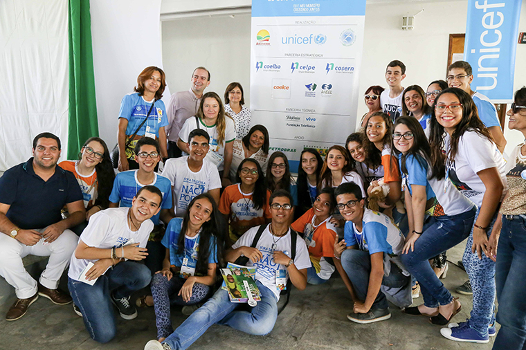 Adolescents from NUCA in UNICEF Municipal Seal of Approval's Community Forum in Arcoverde, state of Pernambuco in 2016.